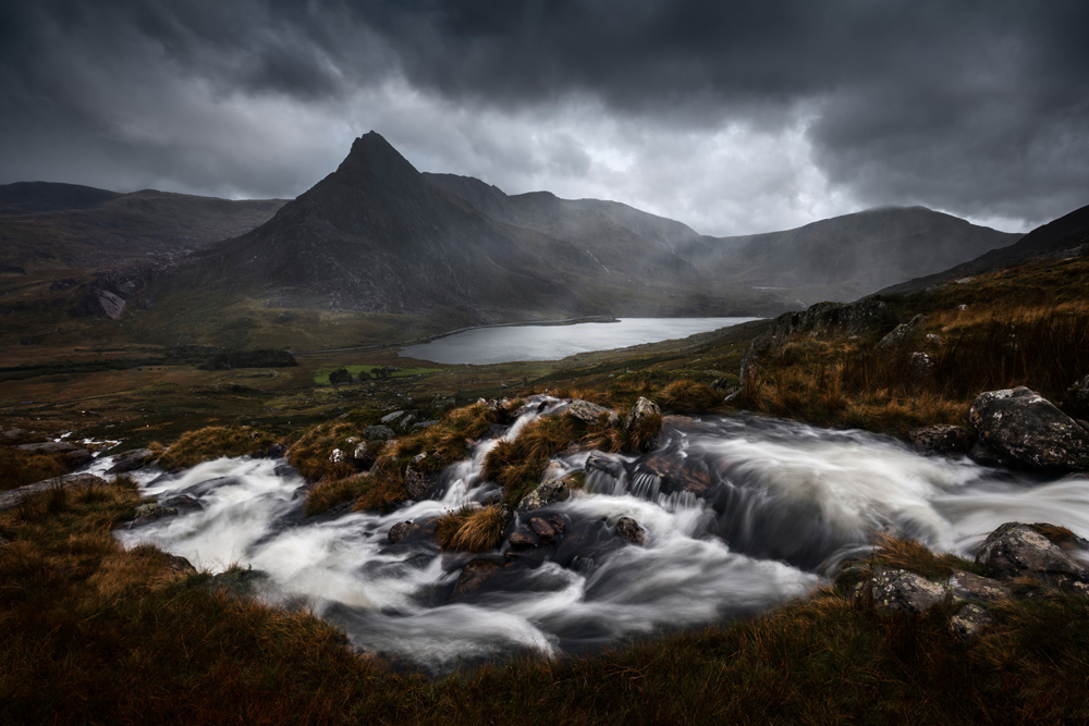 Snowdonia Tryfan horizontal mountain river stream water lord of the rings long exposure.jpg