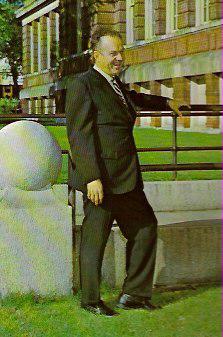 Don Eagle '50 Entertainer & Benefactor