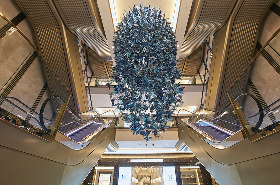 SML 3-harrods-harrodssummer-socailbutterlies-zoebradleydesign-paperart-paper-artist-installation-blue-art-design-fashion.jpg