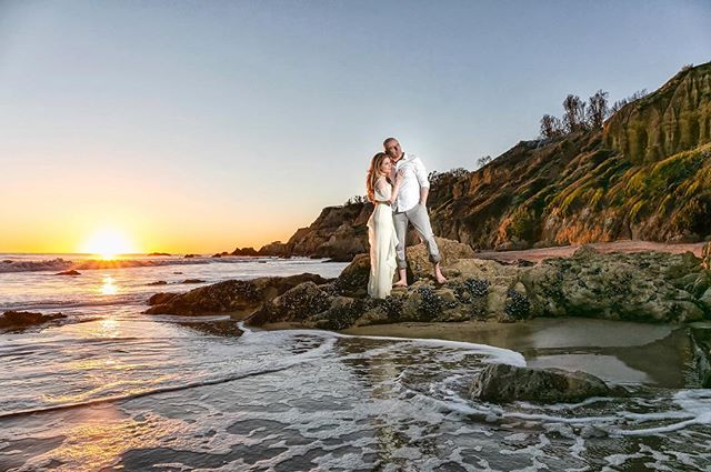 Malibu sunsets on the beach are always amazing  #sarkisstudios #losangelesweddingphotographer #losangeleswedding #malibuwedding #malibuengagement #beachengagement #weddinginspiration #weddingphotographer #weddingplanner #instawedding #bridetobe #weddingstyle #engaged #instagood #weddingseason