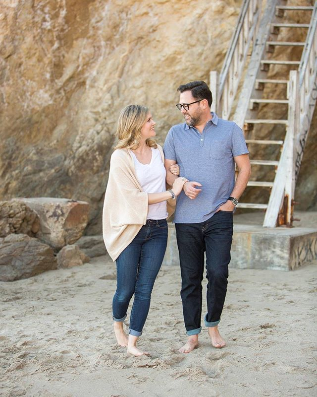 Walks on the beach with your love 💕  #sarkisstudios #losangeleswedding #losangelesphotographer #losangelesweddingphotographer #engagementphotos #malibuengagementsession #elmatadorbeach #engaged #weddinginspo #weddinginspiration #weddingseason #couplesgoals