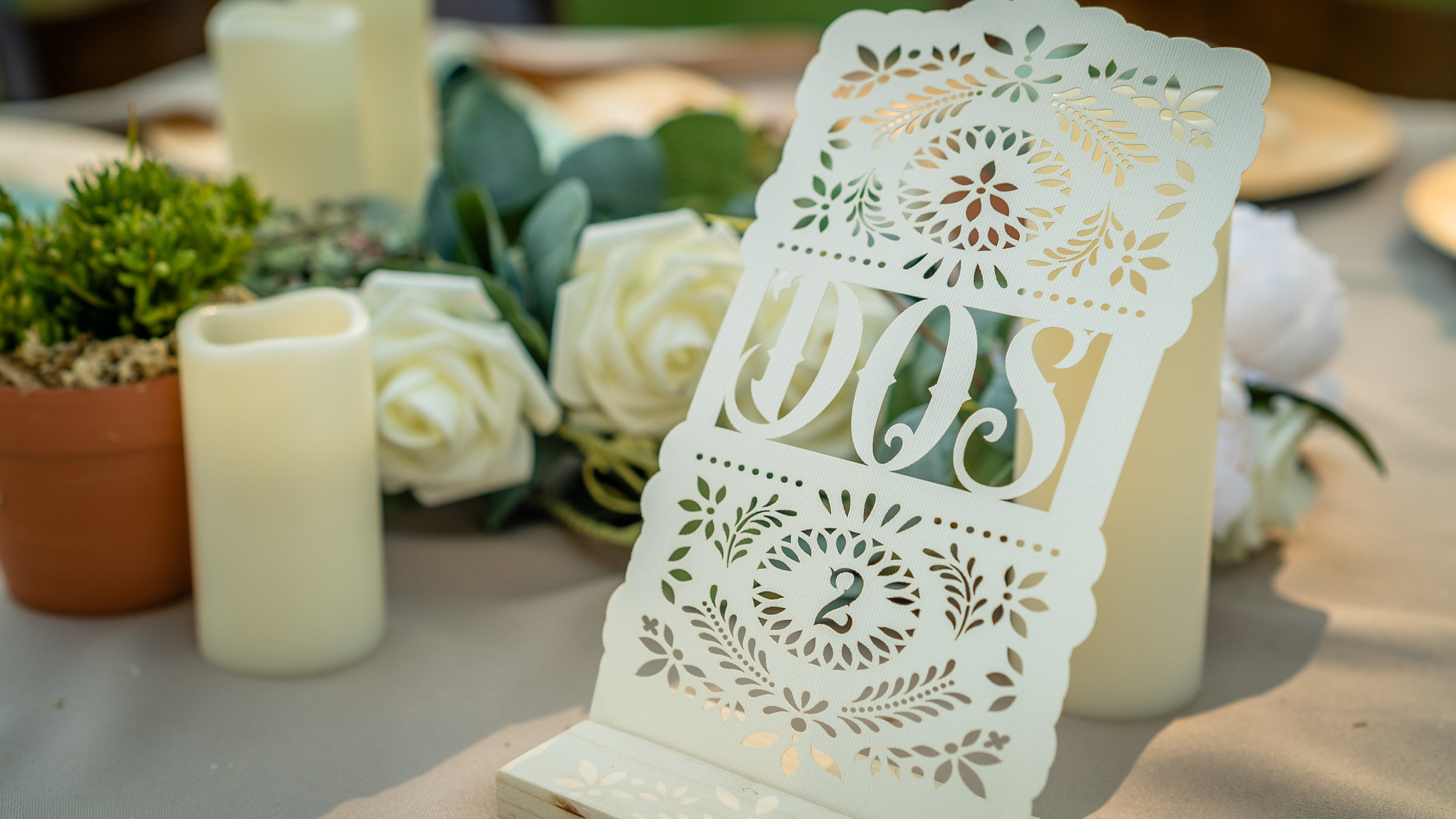 Styling & Set-up:  Eyesome Events  | Signage:  Unshakably Unique  | Arbor:  Ten Four Decor  | Photo:  Super Million Visuals