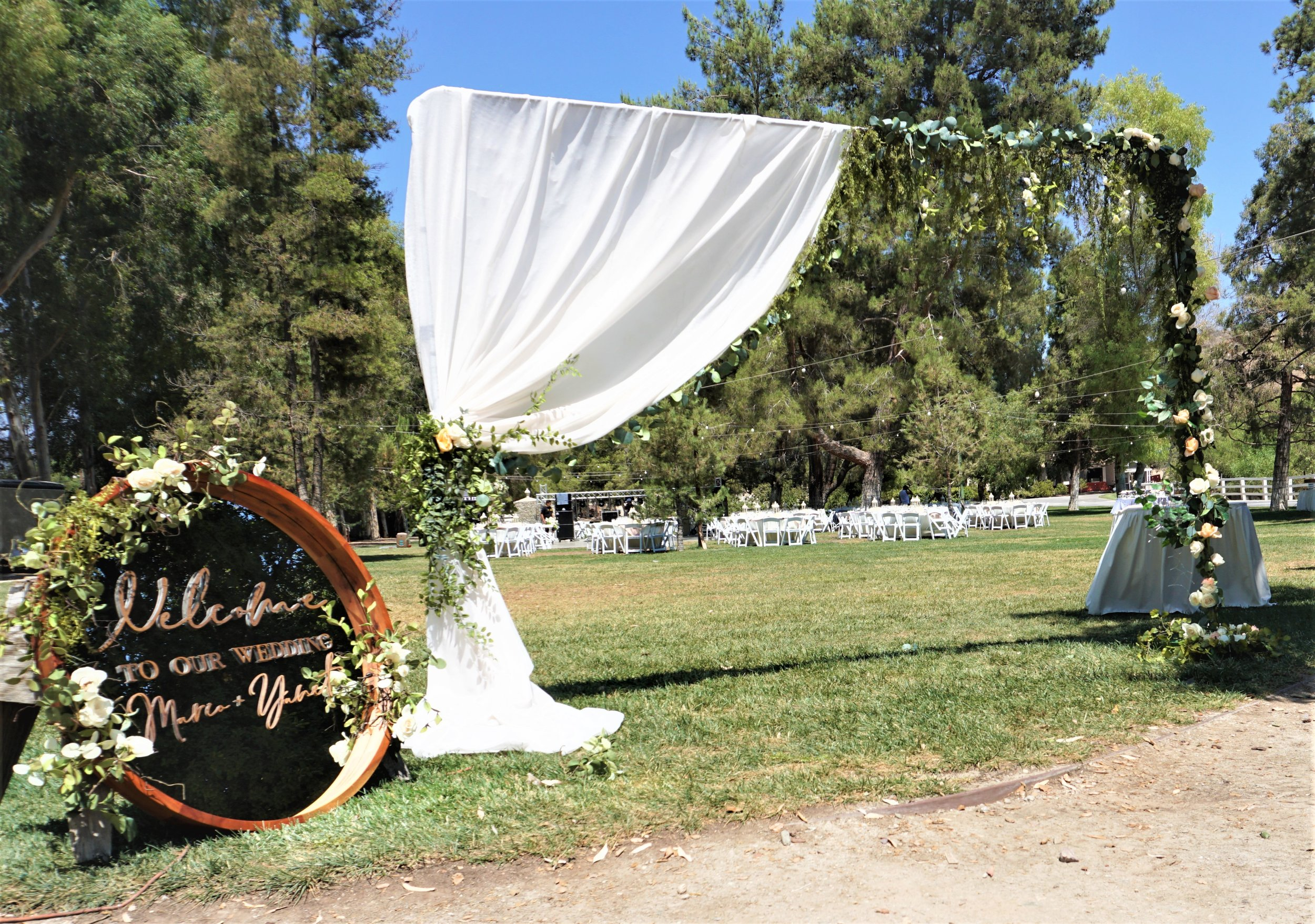 Styling & Set-up:  Eyesome Events  | Signage:  Unshakably Unique  | Mirror Rental:  Ten Four Decor