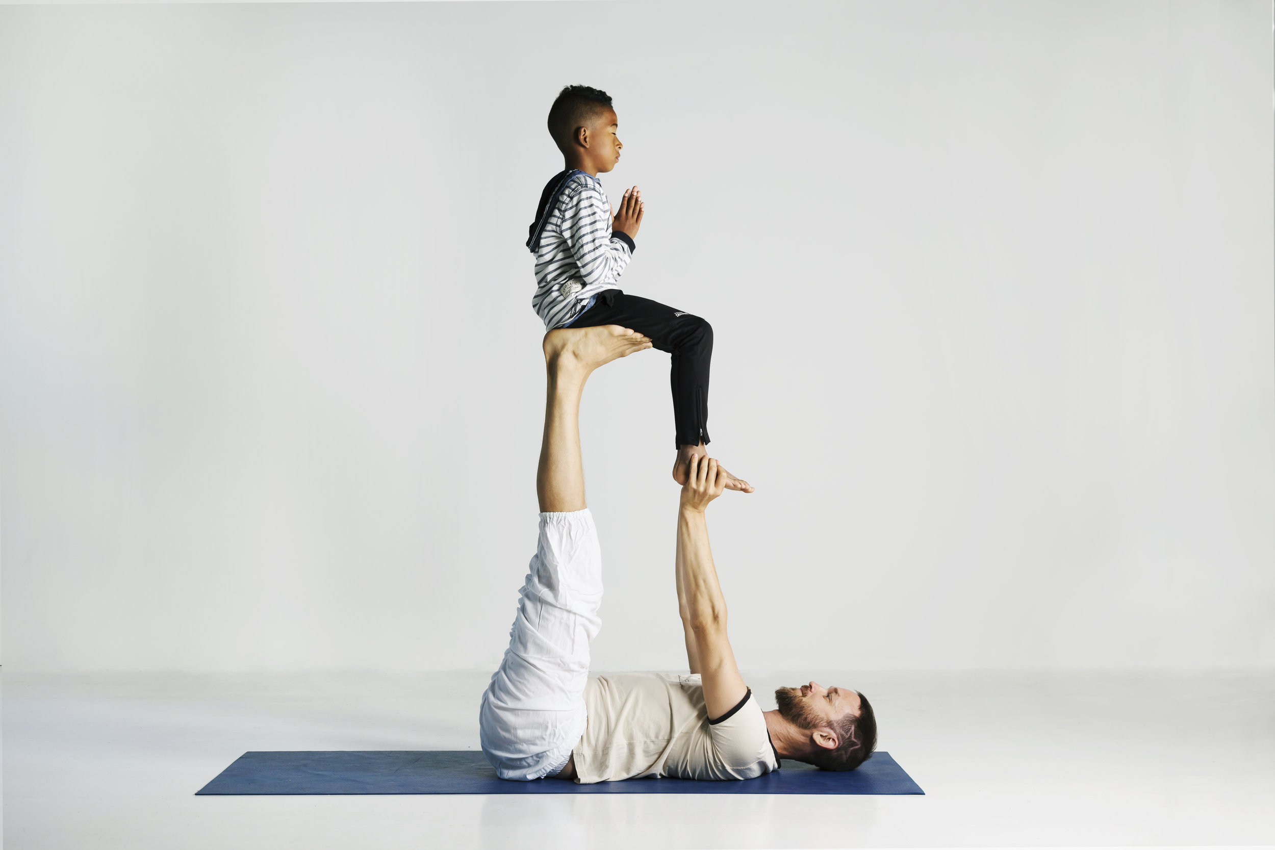 Lek, balanse og fokus med yoga.