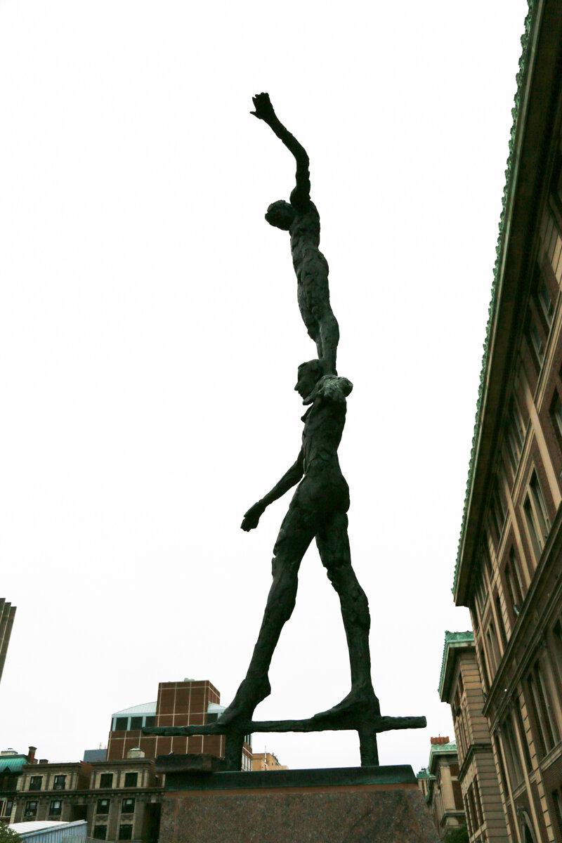 Aries-Libra statue Columbia vertical 2.jpg
