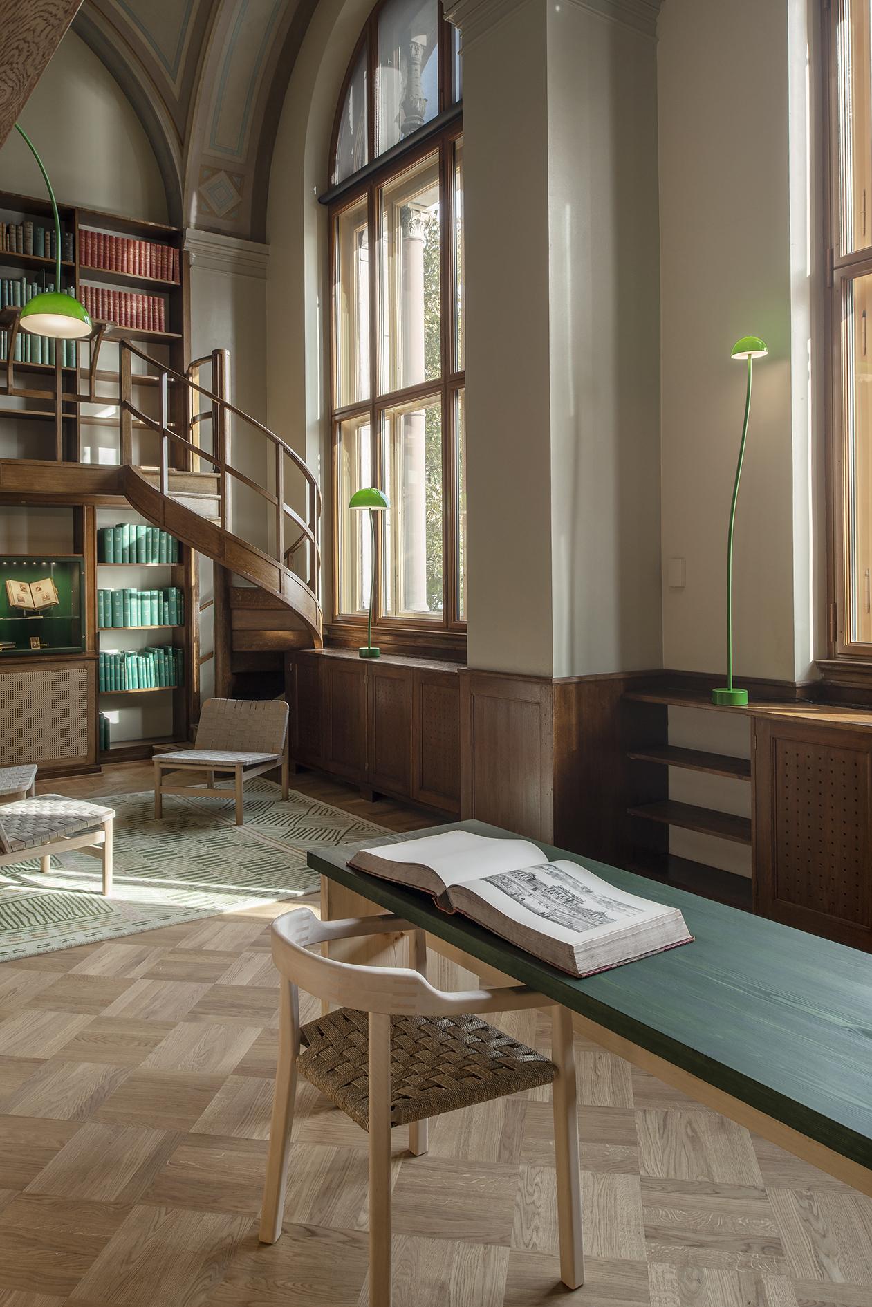 Curve - Fixture: Curve Floor and TableProject: Nationalmuseum StockholmDesigner: Fron Design.