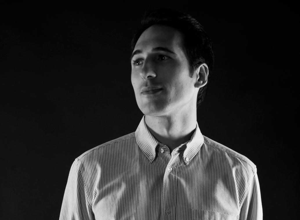 Paolo Dell´Elce - Milano baserade Paolo Dell`Elce är industridesigner specialiserad inom möbler, belysning och produktformgivning.Paolo har erhållit ett flertal priser. Compasso D'Oro ADI 2014, Red Dot Award: Product Design 2011, Young & Design Award 2011 (Special Mention) - Bumblebee, DanesePaolo är också kreativ chef på Danese Milano.ProdukterTutti Frutti pendel
