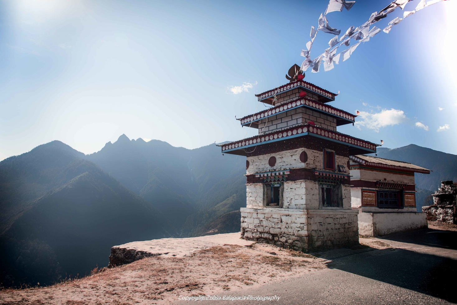 Chorten on the road to Sela (C)