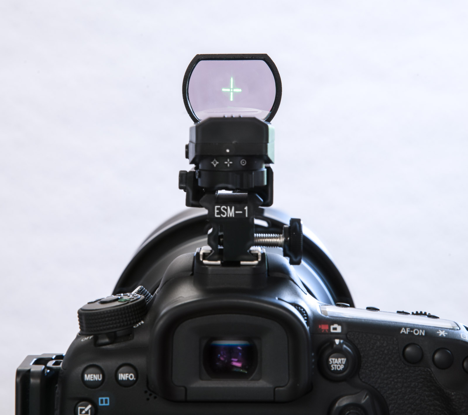 Reticle centered on the Tracker lens