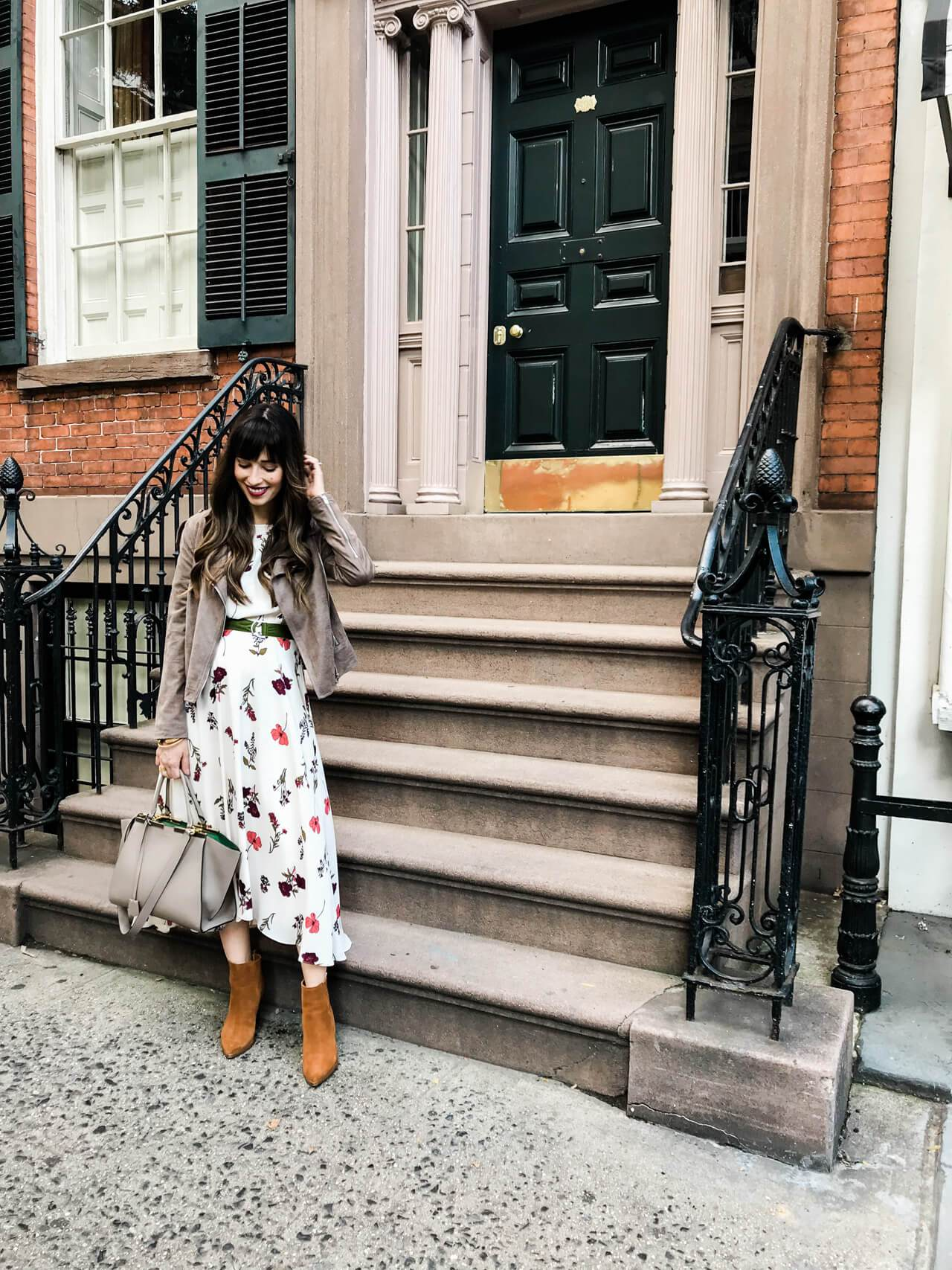 fall-outfit-brownstone-nyc.jpg