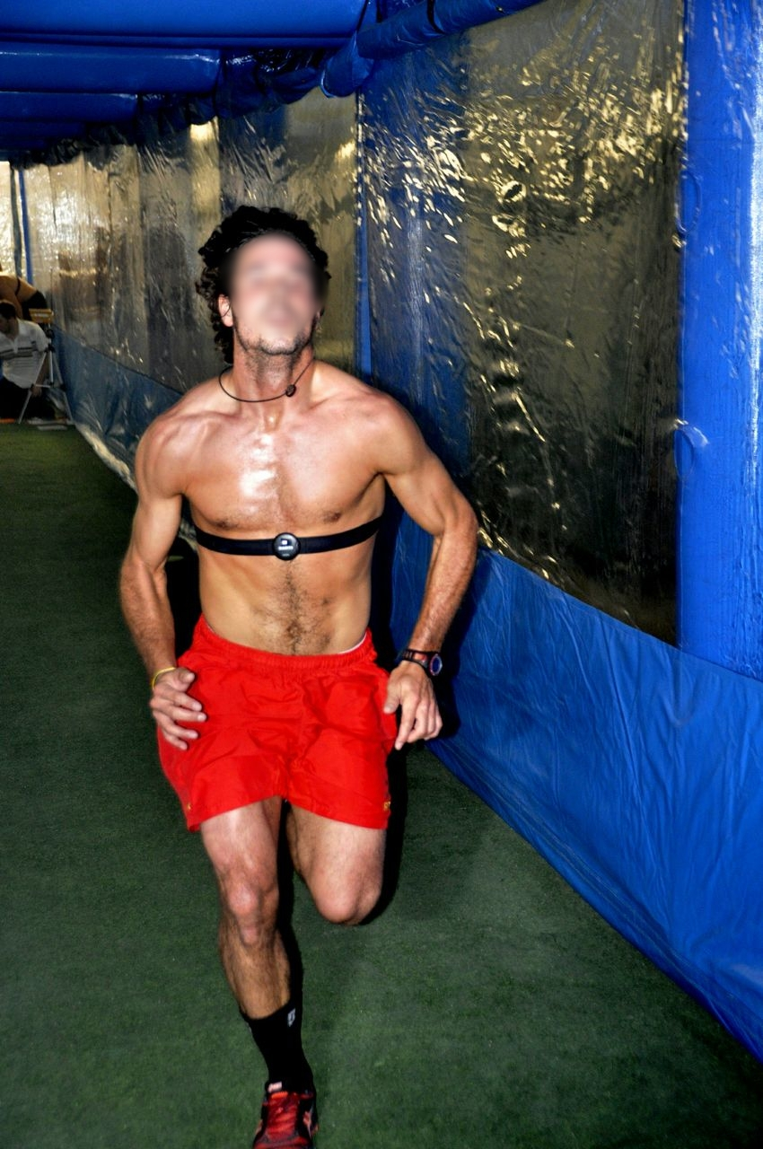 Live high train low and high in team sports -