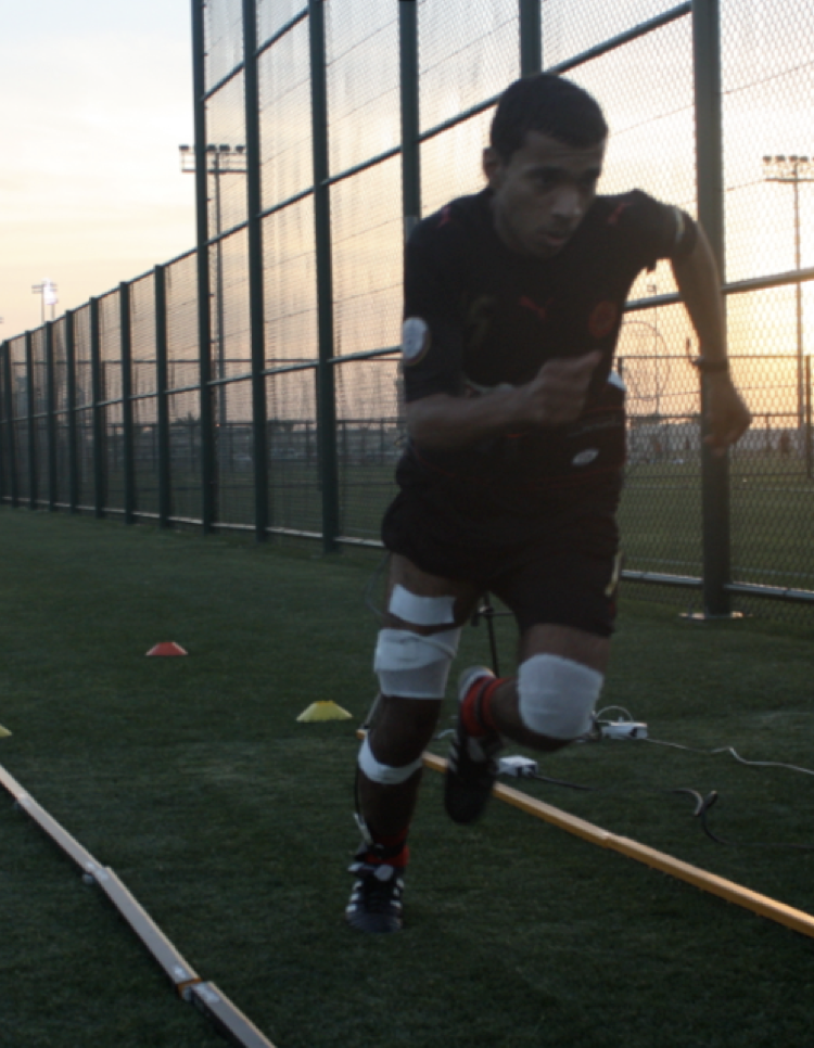 Muscle activation and oxygenation during repeated running sprints -