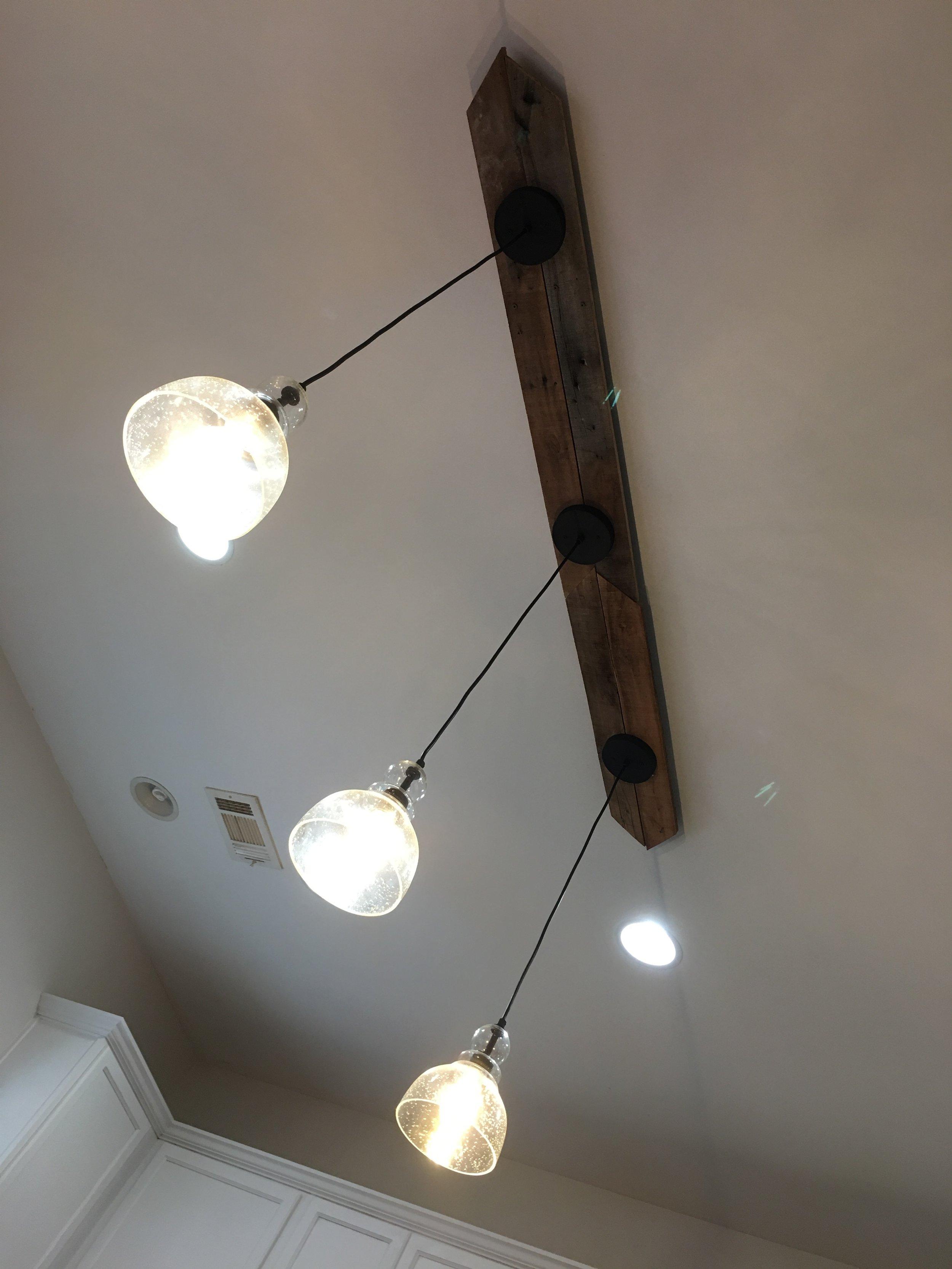 Three-Pendant-Light-Fixture.png