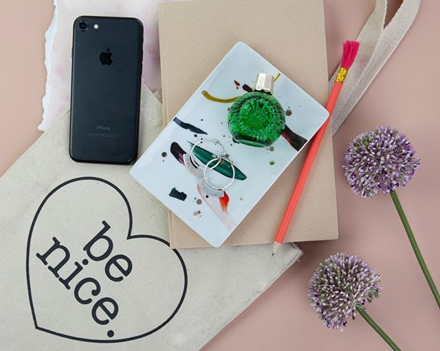 Essentials. 💖🔶📱💐 . . . #nicetattoos #tattoo #stockphotography #flatlay #abm #abeautifulmess #millenialpink #iphone #whimsy #stockphotographer #stockphoto