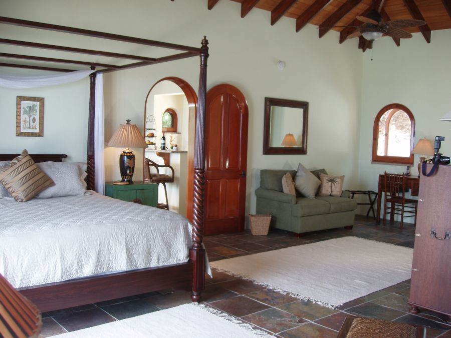 villa-croix-vista-stjohn-bedroom-white.jpg