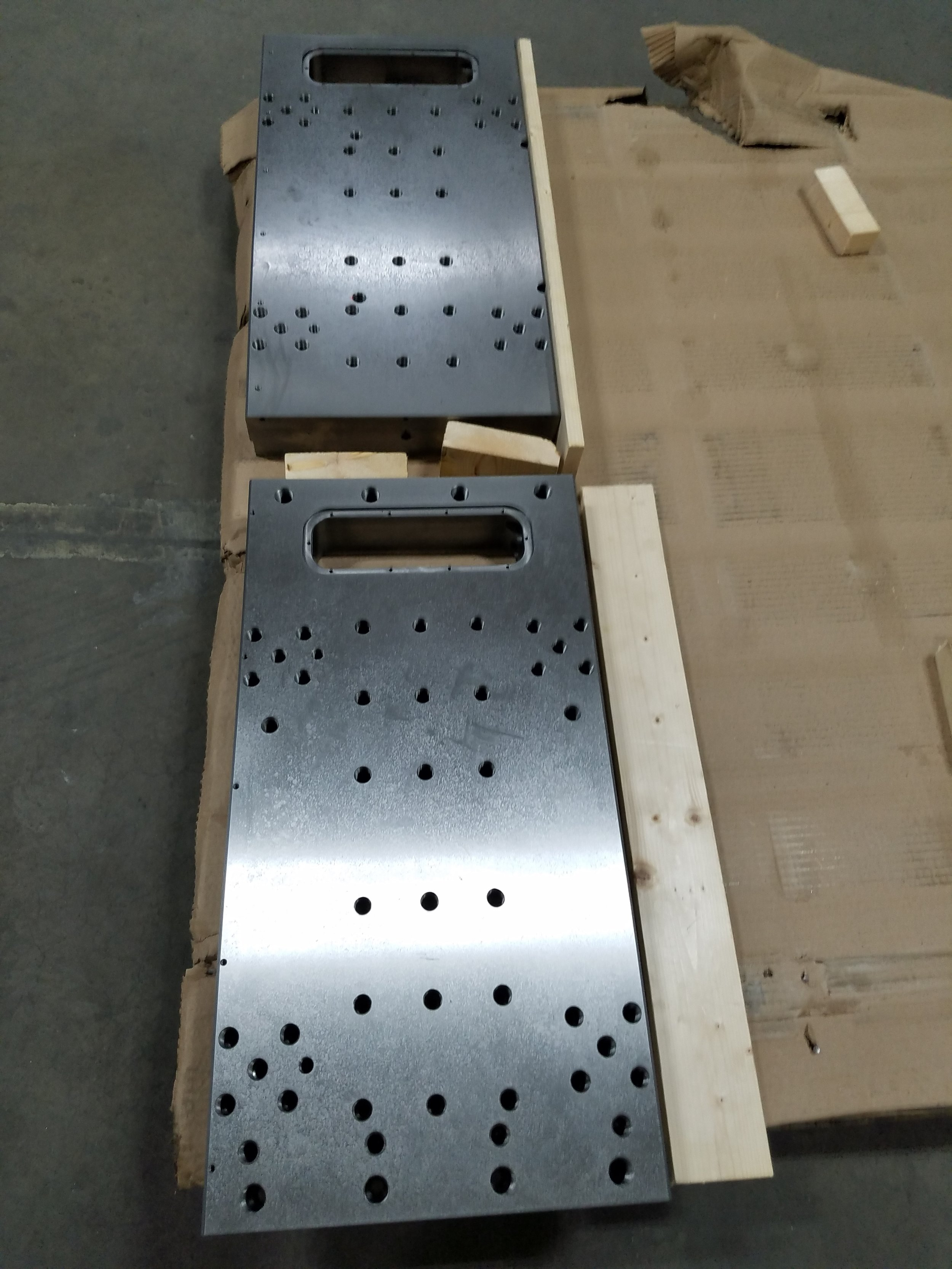 2 Medium sub plates delivered, 16in x 40in x 3in.jpg