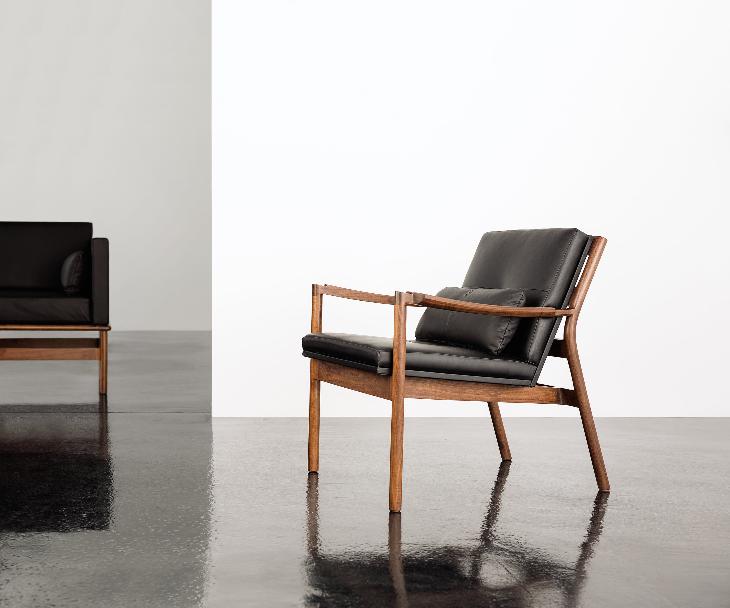 > Hartford Lounge Chair.
