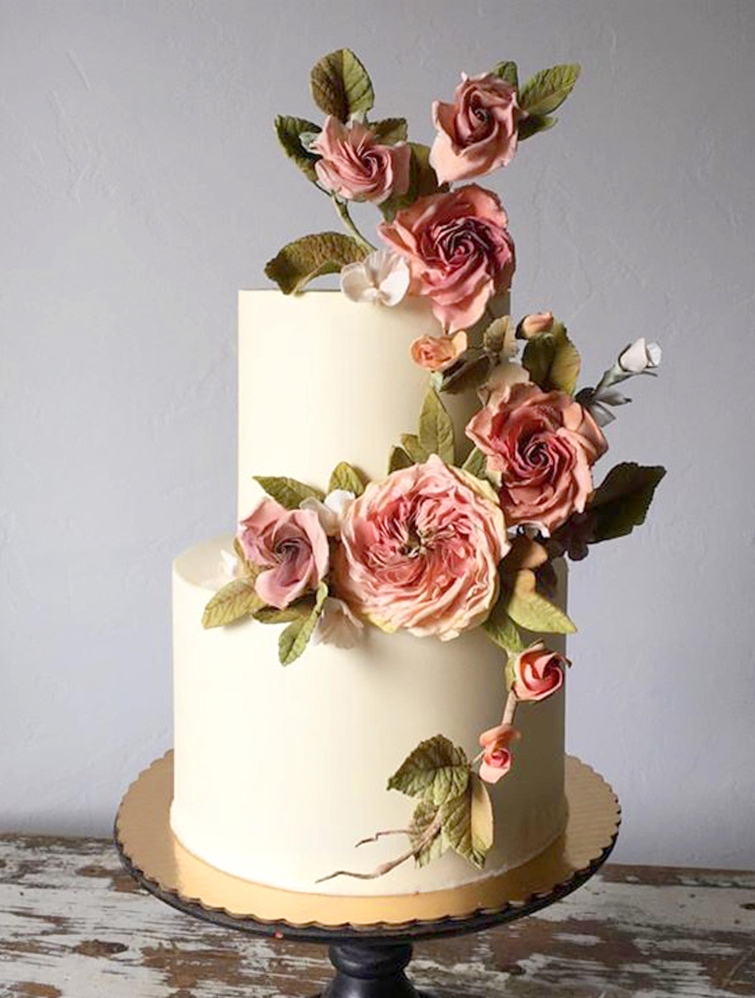 Elle's Belles Cake sugar roses and buttercream-EDITED.jpg