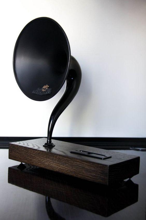 HOME-gramophone.jpg