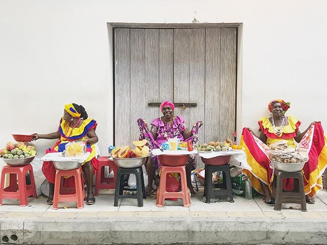 Palenquera bounty. . . . . . #travelinspiration #calledtobecreative #livecolorfully #abmlifeisbeautiful #abmtravelbug #theeverygirl #theeverygirltravels #thegramgang #womeninbiz #photog #travelphotos #travelnoire #traveldeeper #travelisthenewclub #passionpassport #mytinyatlas #communityovercompetition #thatsdarling #pursuepretty #lovelysquares #savvybusinessowner #flashesofdelight #blkcreatives #bossbabes #fempreneur #logodesigner #branddesign #webdesigner #digitalnomads #societygal