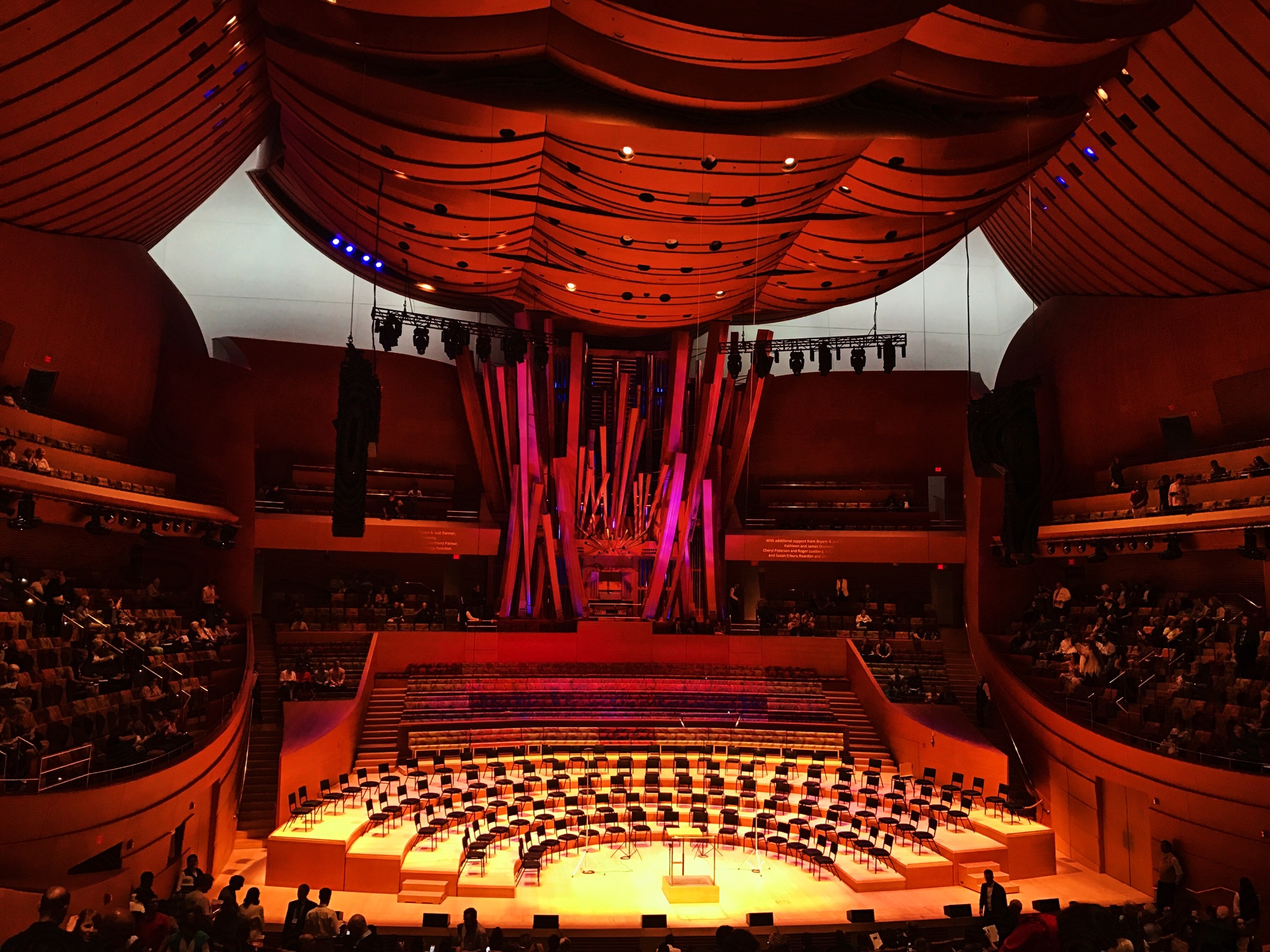 Walt Disney Concert Hall where the Los Angeles Master Chorale sang under direction of Grant Gershon, Jenny Wong, and Eric Whitacre
