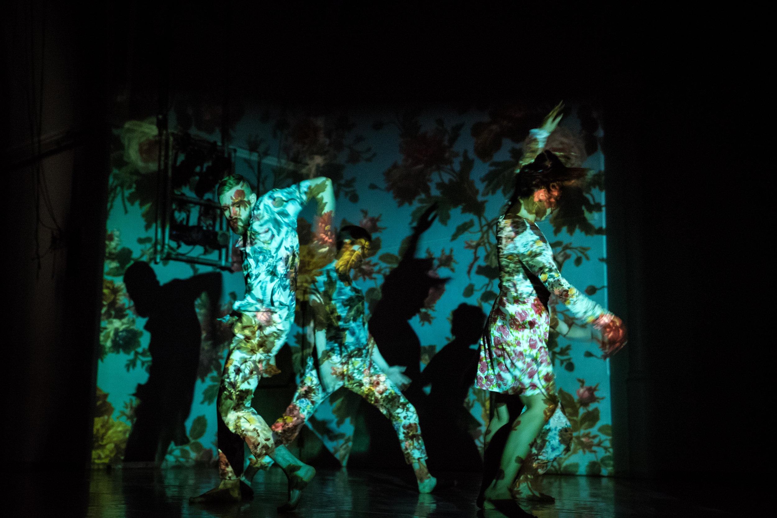 """Mercury Dust""  Emily Law - TORONTO DANCE THEATRE  Photo by Francesca Chudnoff"