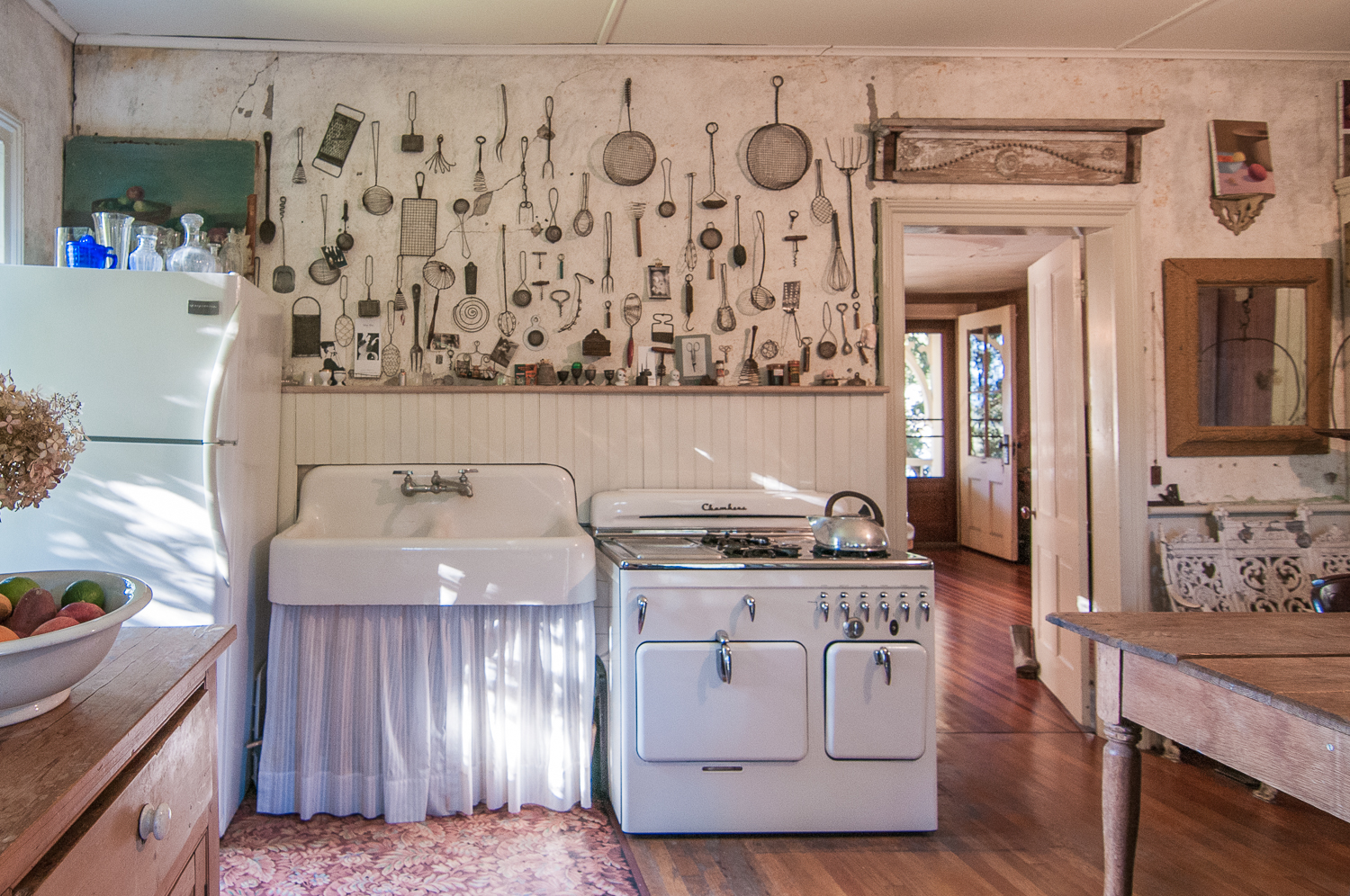 1077-RiverRd-Barrytown-NY_Kitchen-Chambers-Stove.jpg