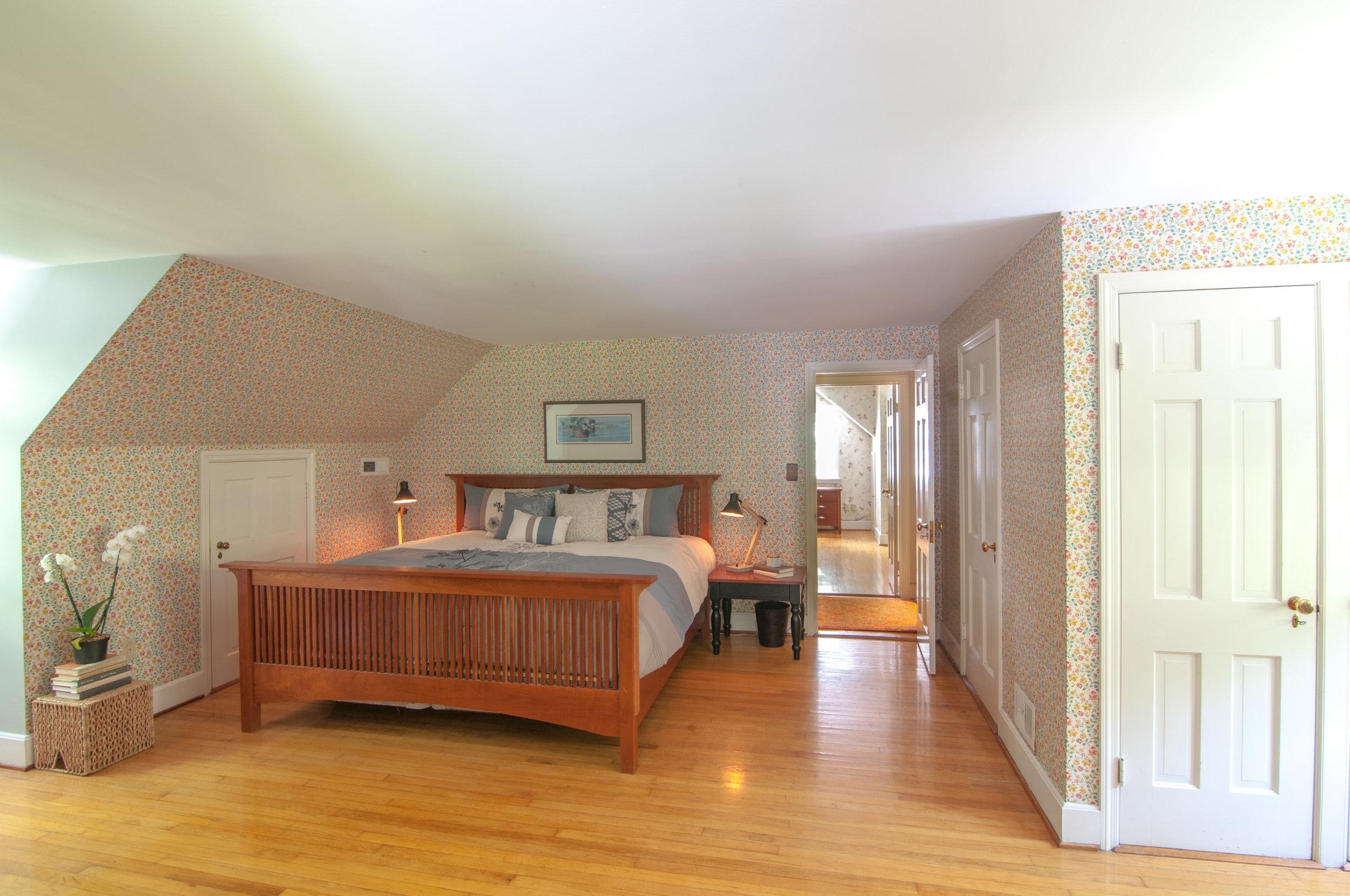 40-WHurleyRd-Master-Bedroom.jpg