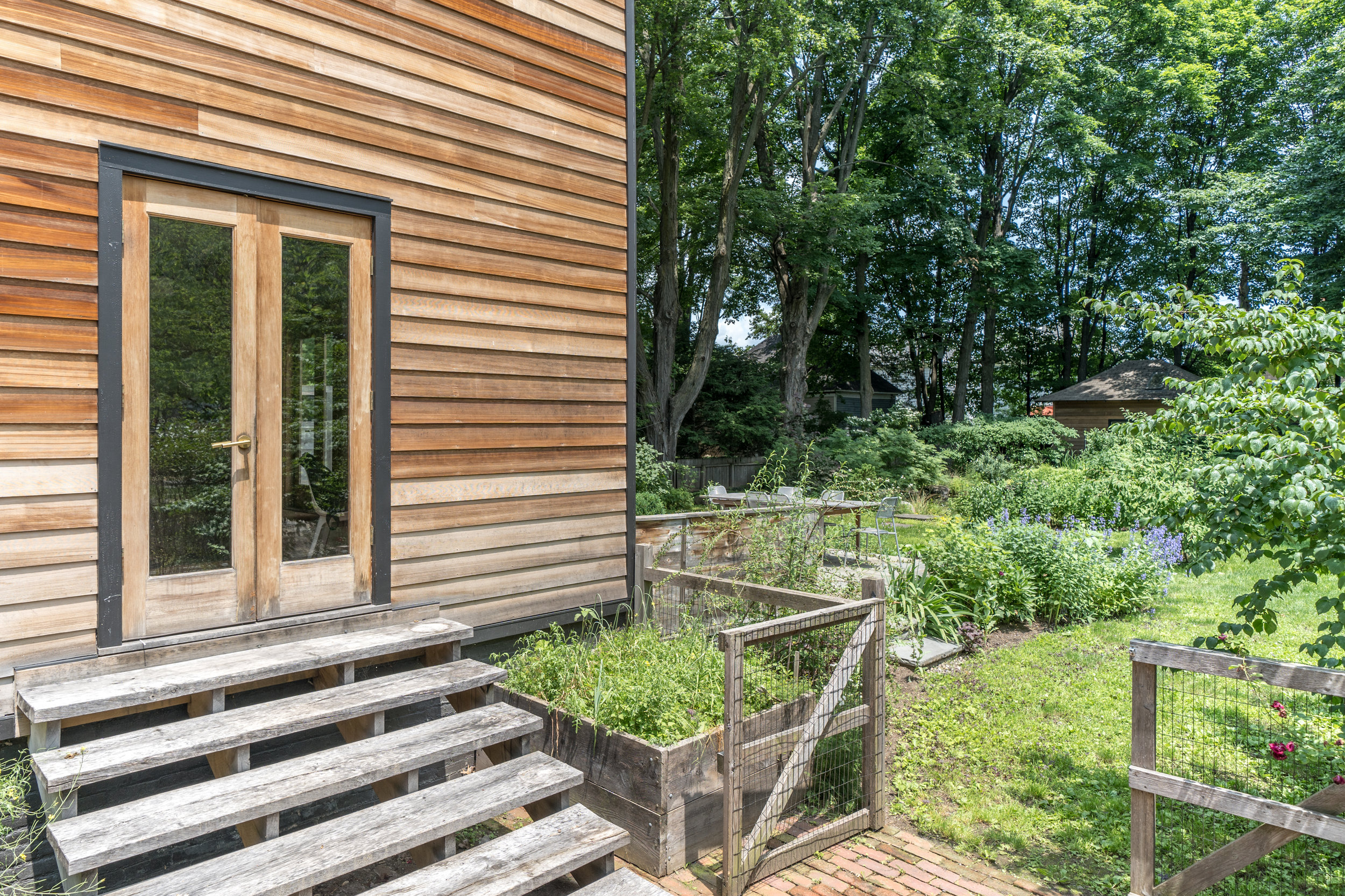 UptownKingston-Cedar-Siding-Garden.jpg
