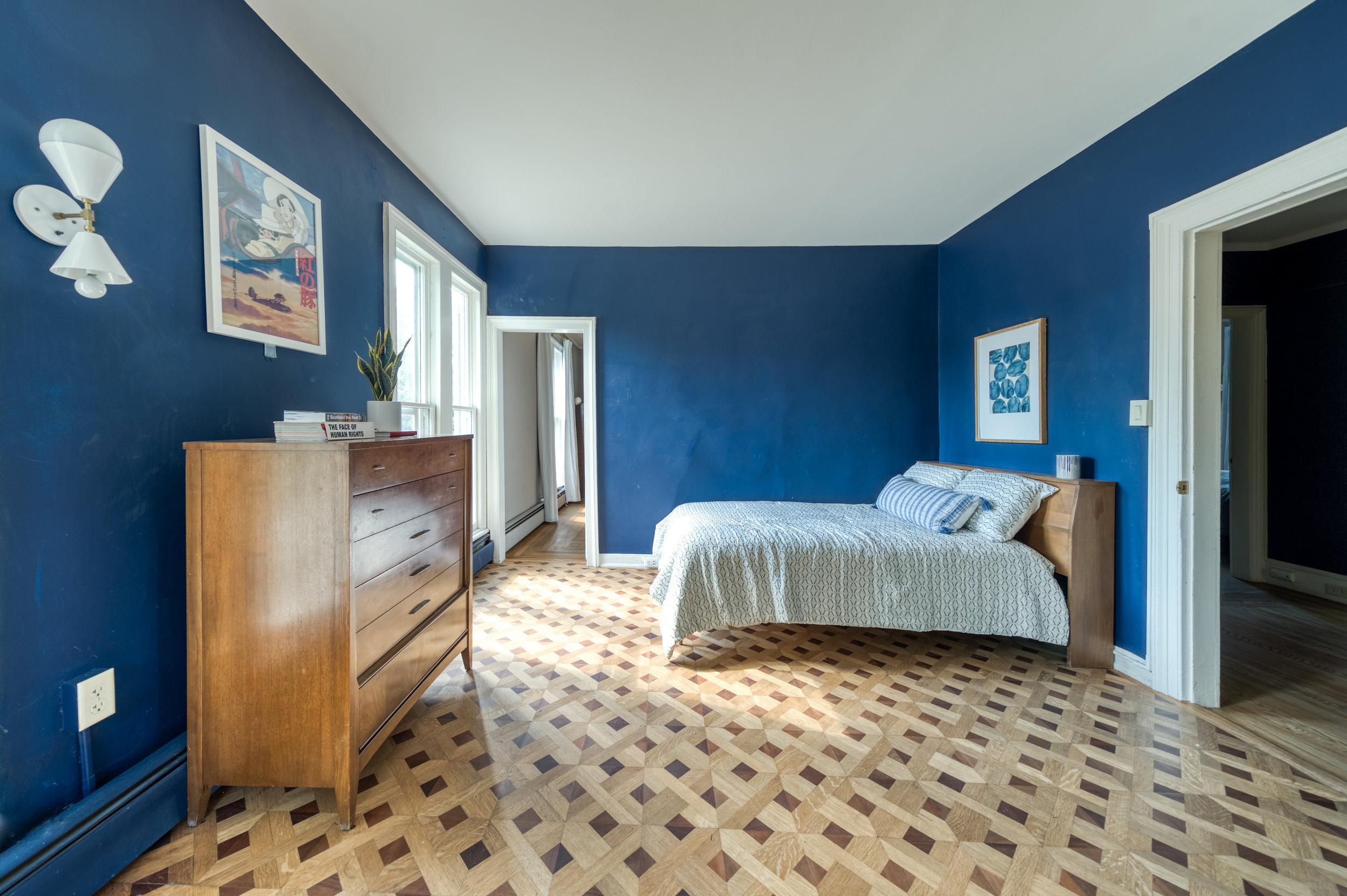UptownKingston-Guest-Bedroom-3.jpg