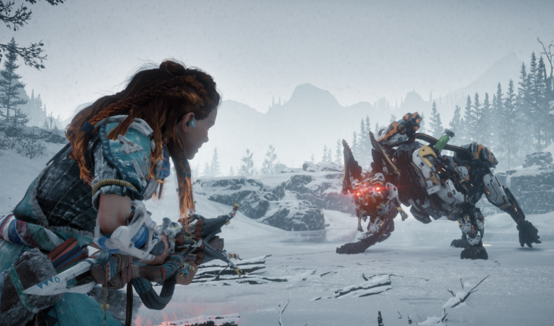Aloy trying to keep warm with a Scorcher
