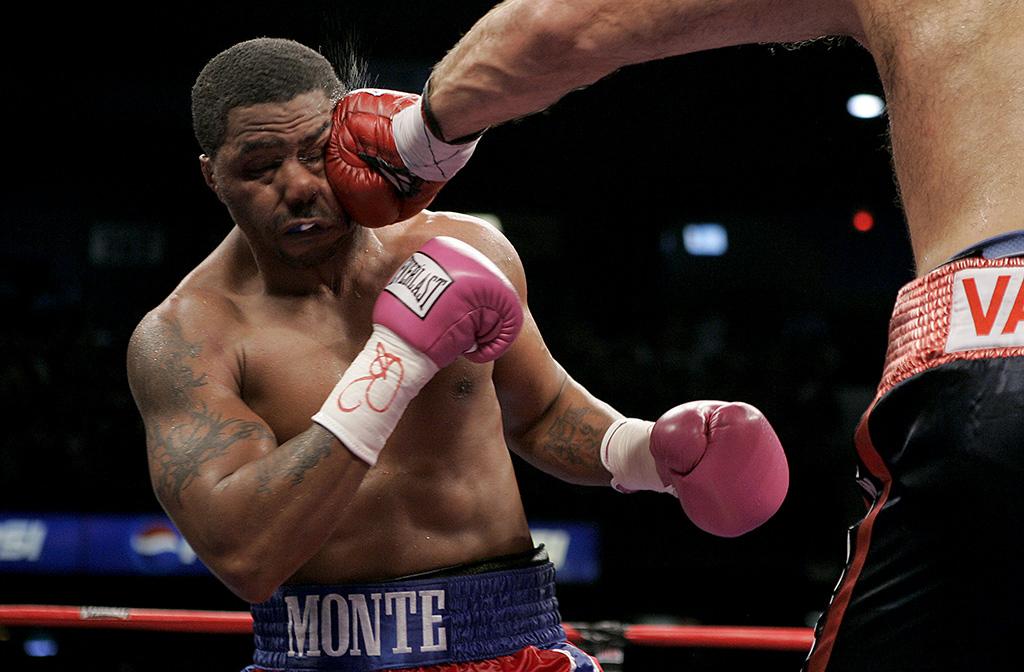 Monte Barrett gets Jabbed