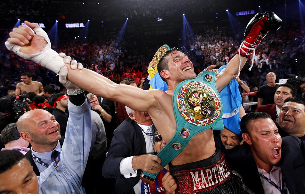 Sergio Martinez celebrates win over JC Chavez Jr.