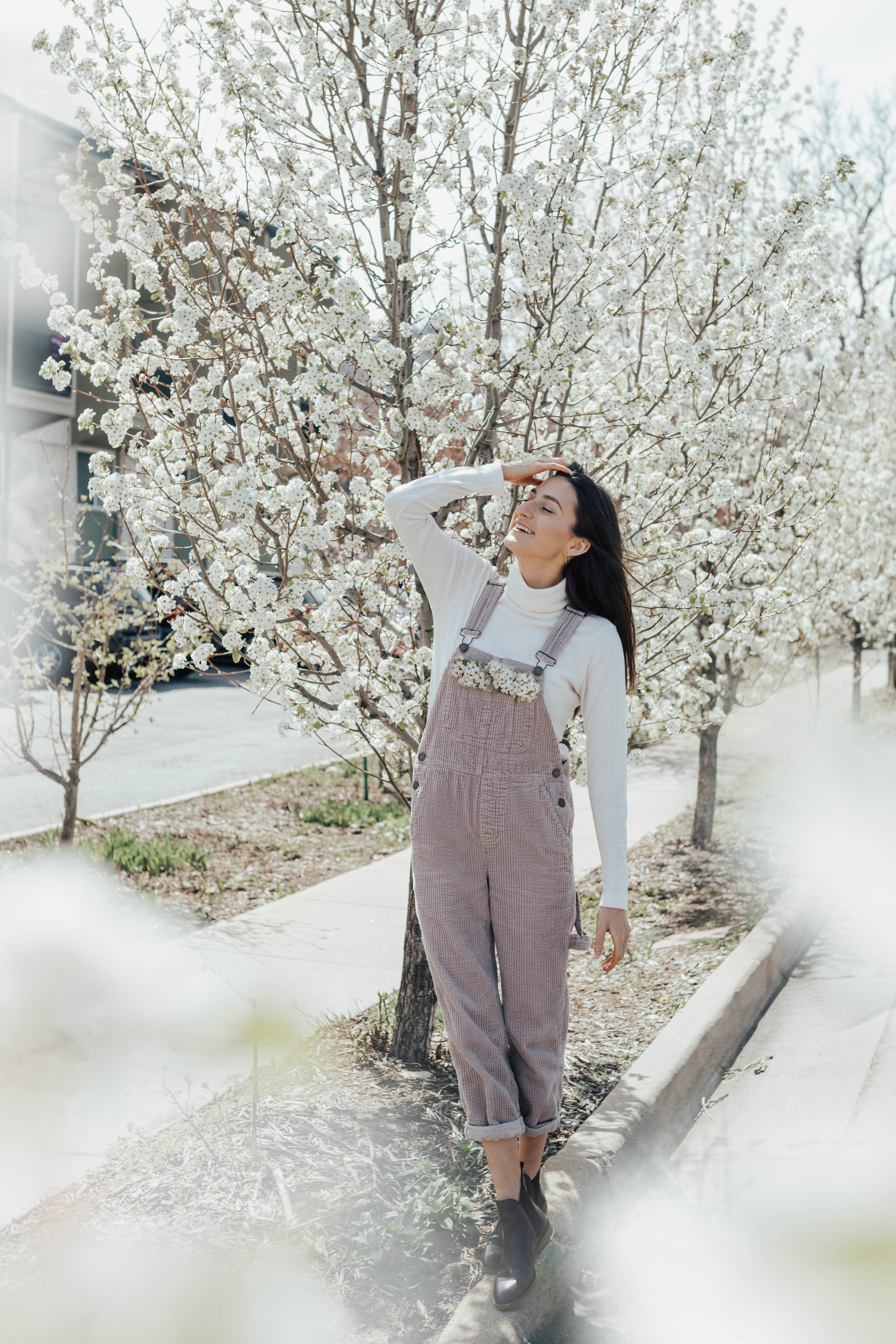 Urban Outfitters Beige Corduroy Overalls & Everlane Booties