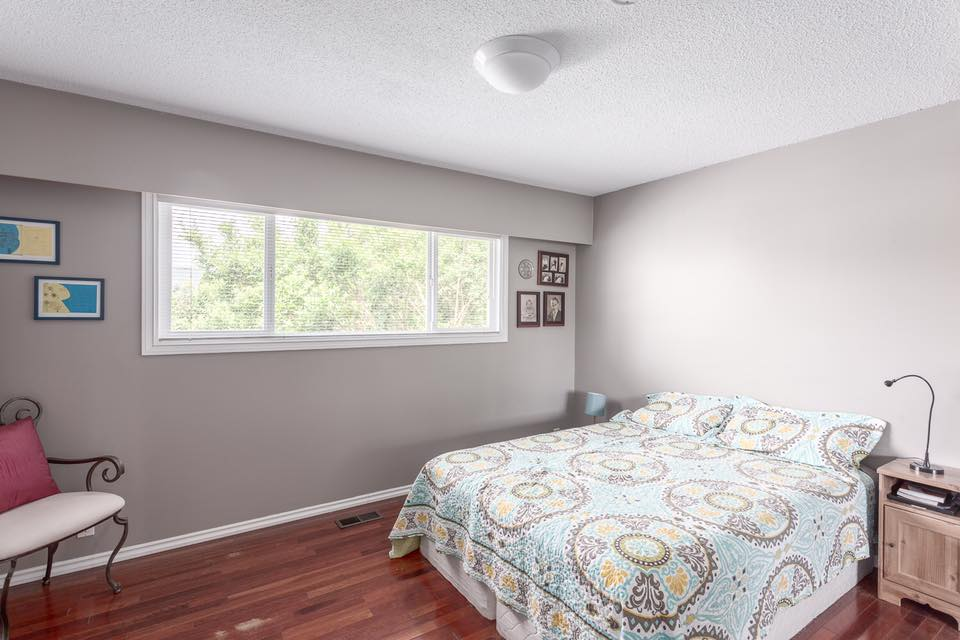 5545 Maple - bed 1.jpg