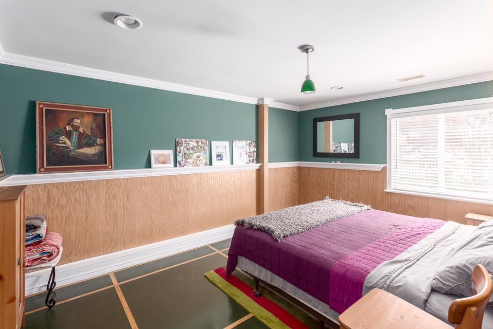 5545 Maple - bed 4.jpg