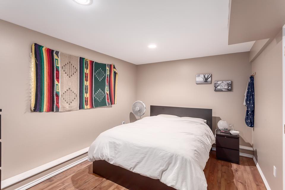 5545 Maple - bed 5.jpg