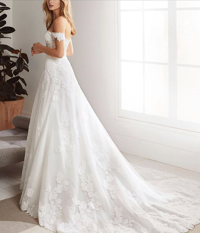 Oliola now available to try on in our shop from the #WhiteOne2019 collection. Schedule an appointment via our website www.korabrides.com 💕 . . . . . . #pronovias #weddinggown #thewhiteone #engaged #weddingflowers #bridesmaid #love #weddingdress #Floral  #bride #wedding #proposal #photography #weddingdessert #eventplanner #weddingplanner #bridalsalon #instagood #bridesmaid #bridesmaids #fashion #bridalparty #engaged #inspiration  #weddingstore #weddingdressstore #OC #LA #Orangecounty