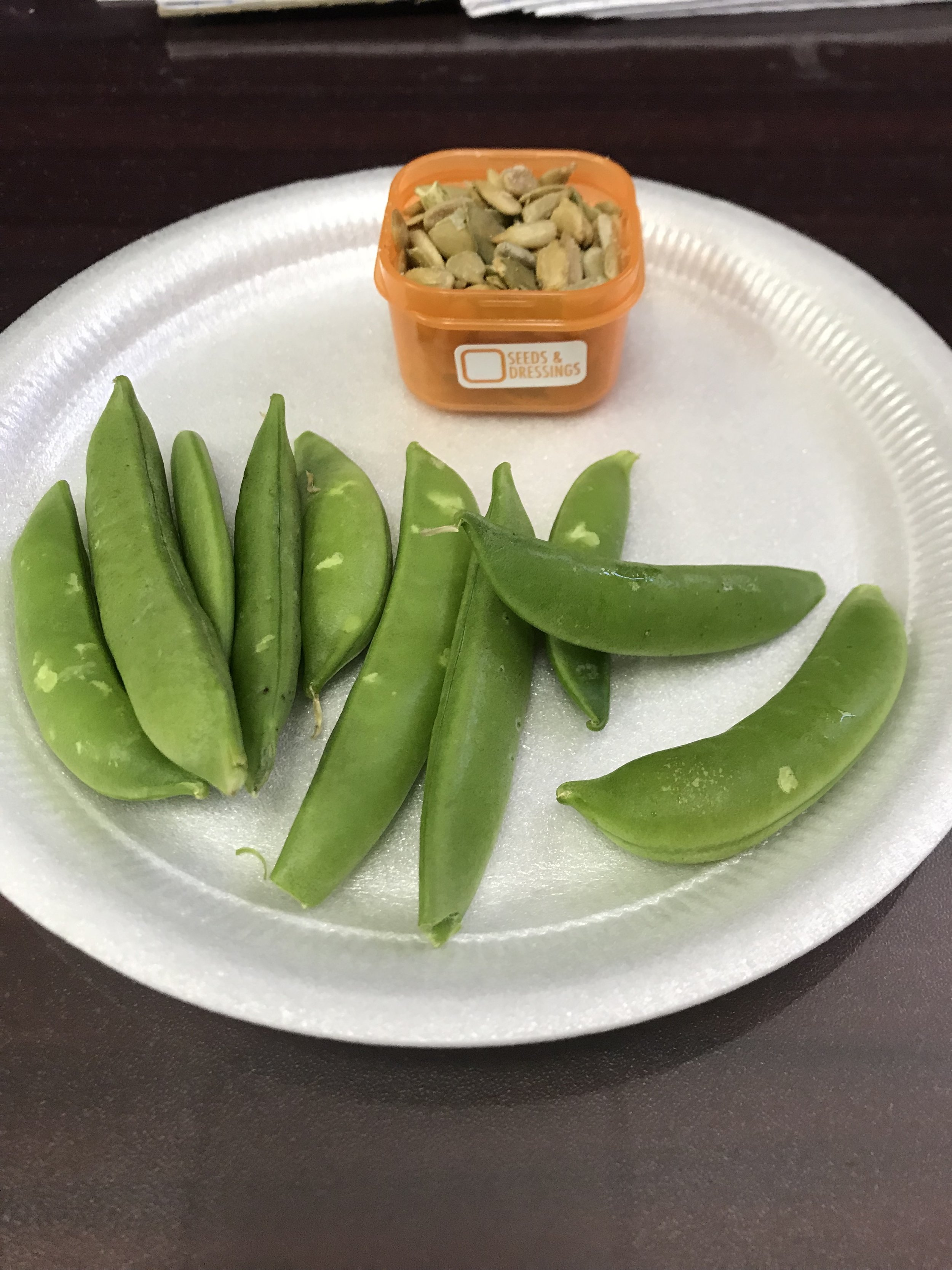 MID-MORNING SNACK - Sugar Snap Peas and a mix of Sunflower and Pumpkin Seeds.