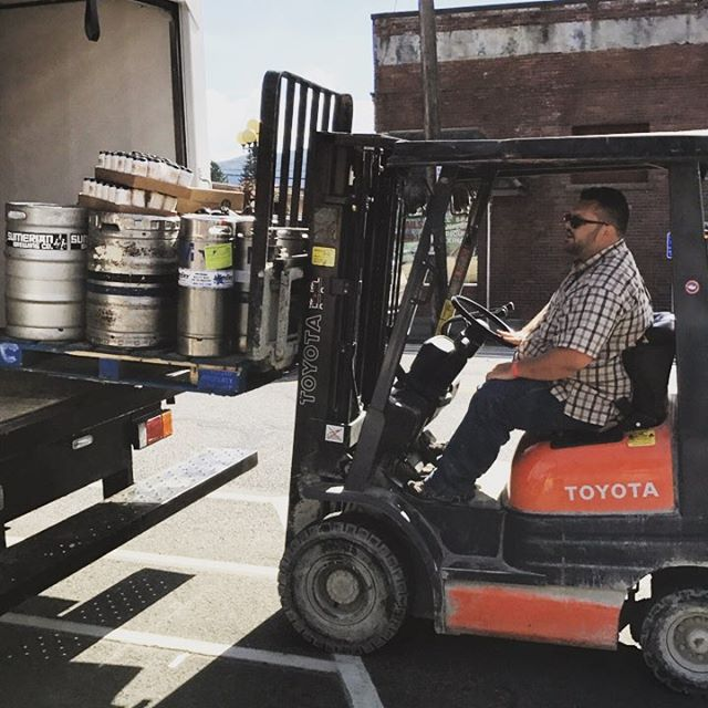 The beer has arrived! #swbrewfest #sumerianbrewingco #whitewallbrewingco #ironhorsebrewery #boundarybaybrewery #farmstrongbrewing #melvinbrewing #northsoundbrewing #chuckanutbrewery #kulshanbrewingco #ninkasibrewingcompany