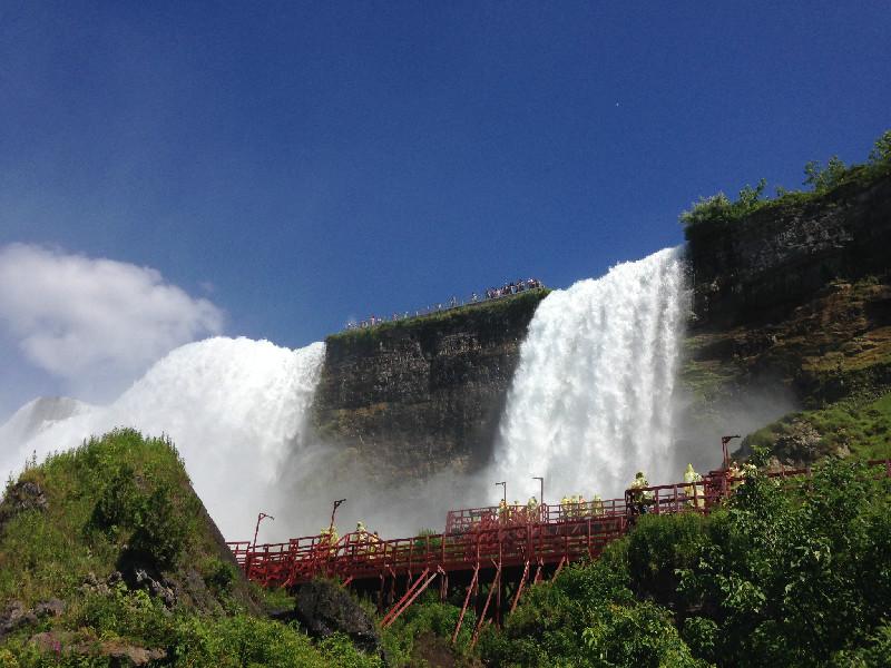ECT-NiagaraFalls2.jpg