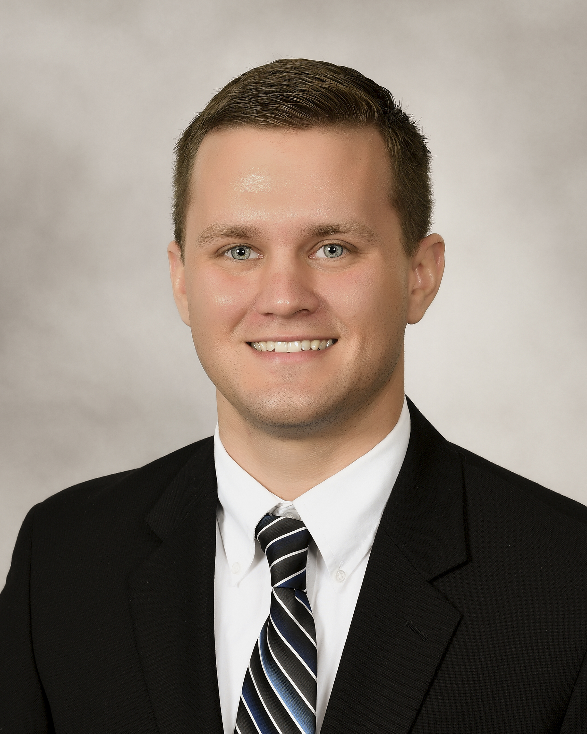 Lucas Wright - Hometown: Georgetown, KYEducation: B.S., Biology - University of Pikeville; DO - Kentucky College of Osteopathic MedicinePersonal Interests: Anything sports related, hiking, spending time with my wife and dog