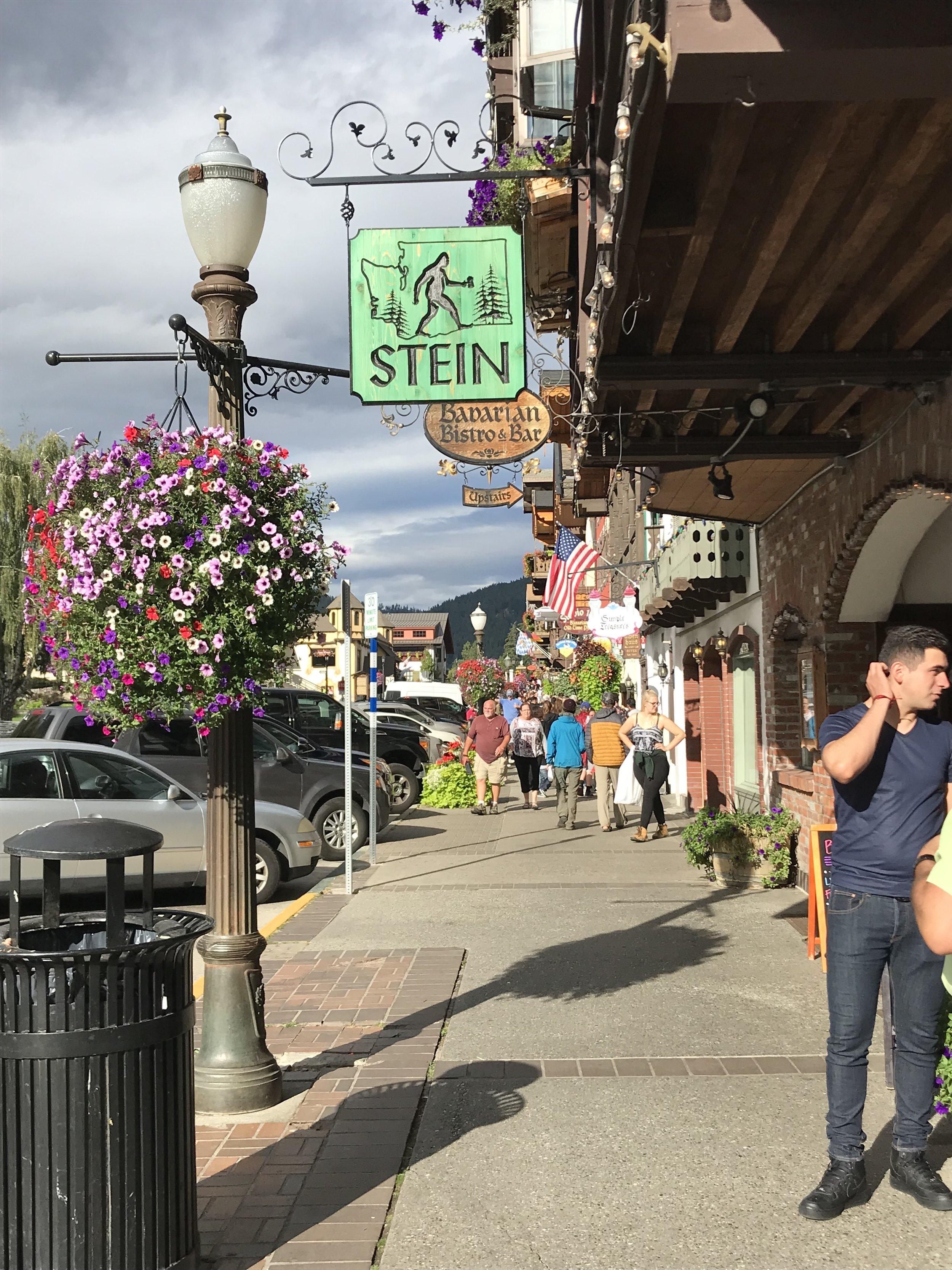 Stein, Downtown Leavenworth