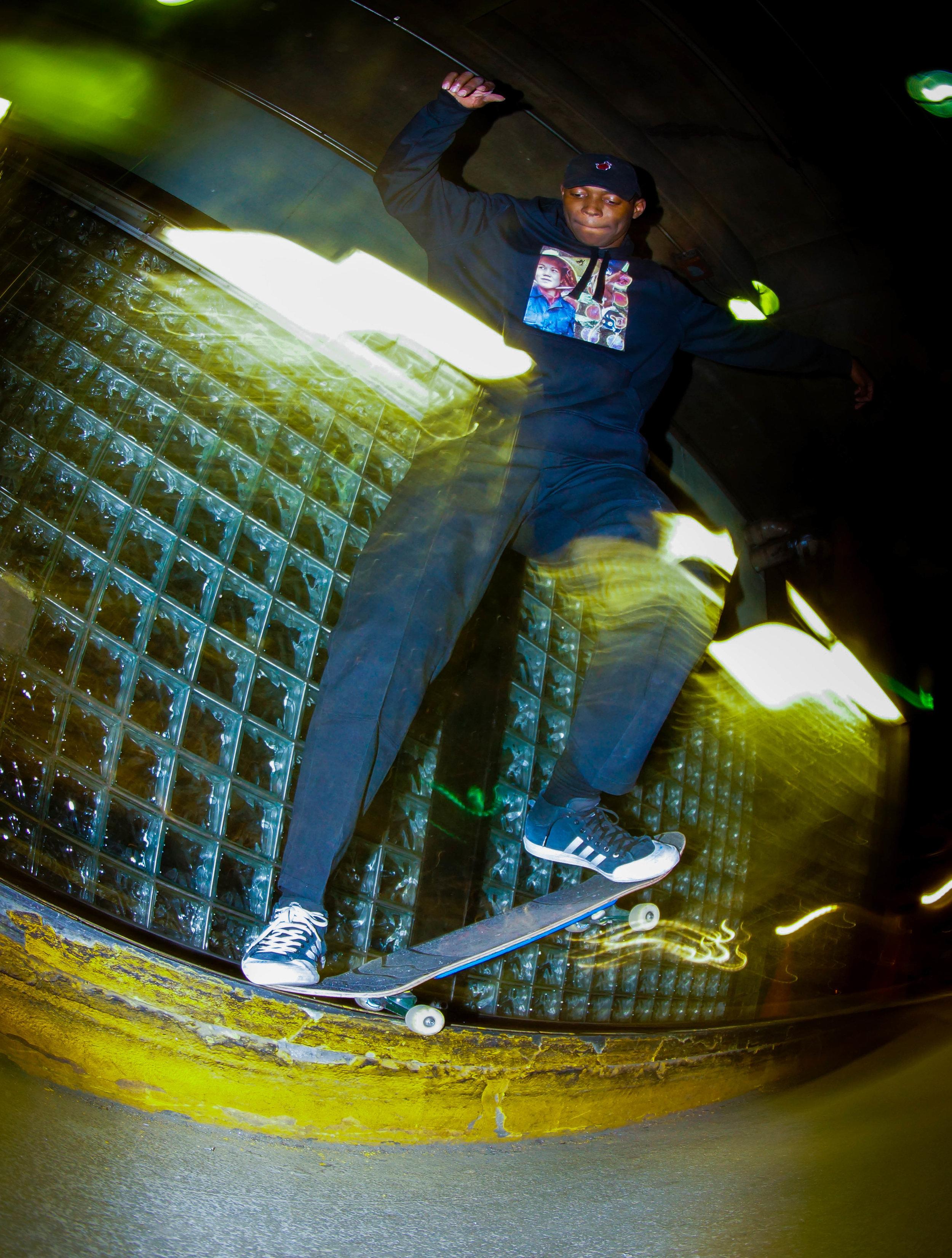 Jarren crooked grind-07584.jpg
