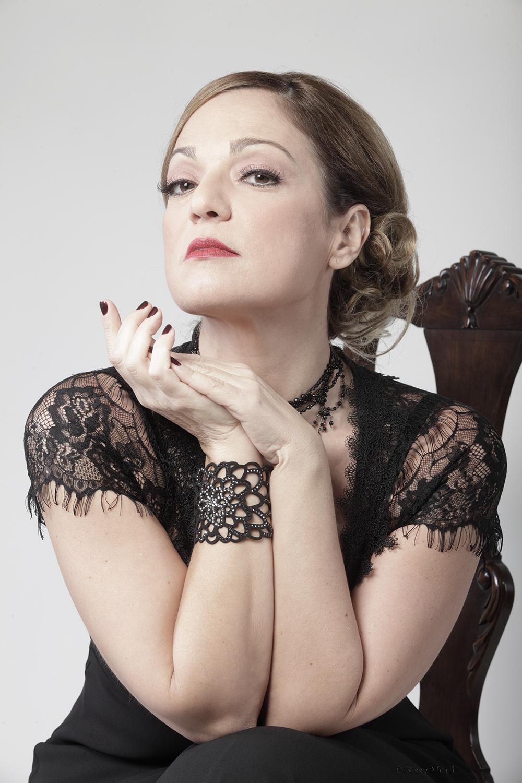 Eleni Karakasi / actress-singer