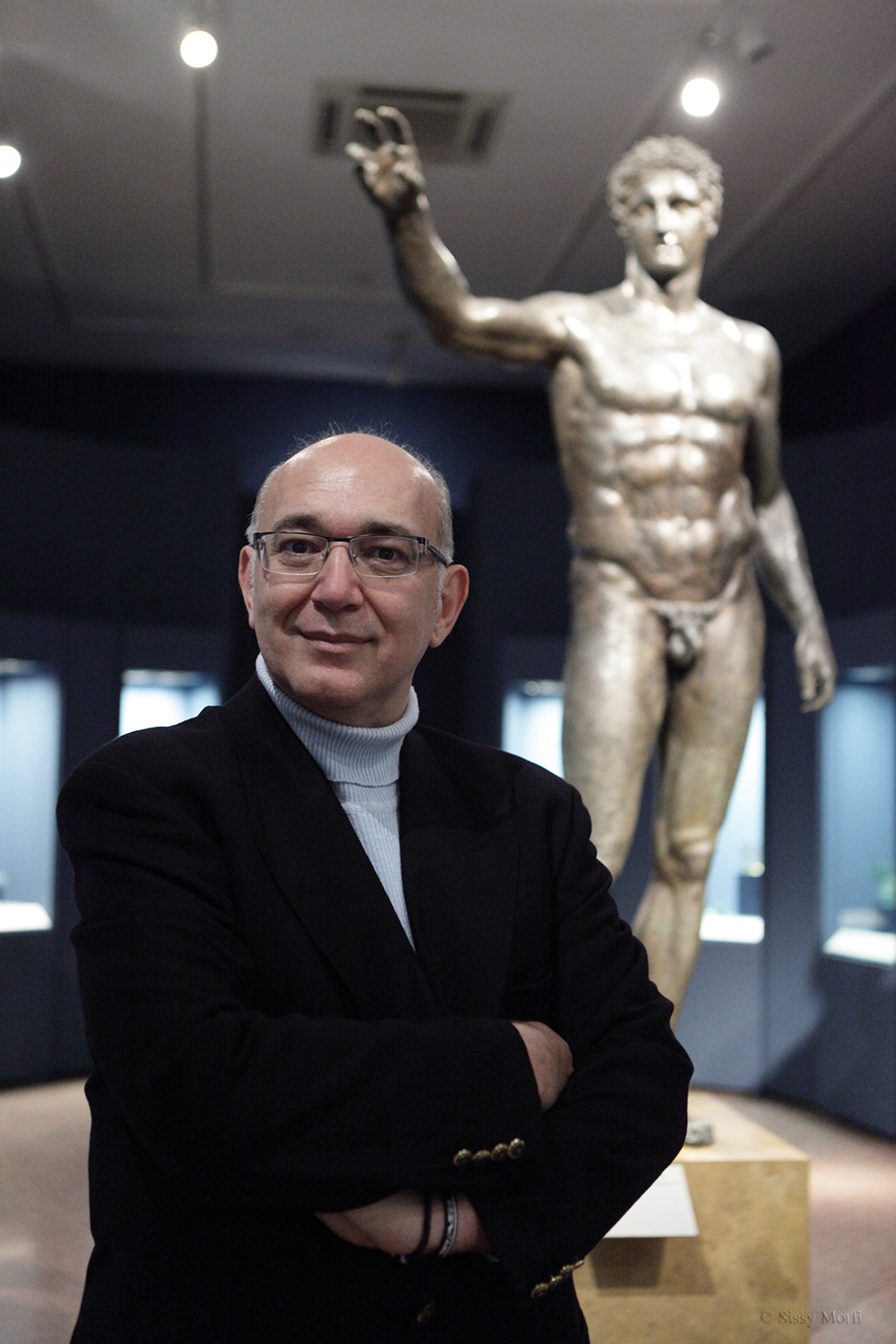 Giorgos Kakavas / deputy director of the ancient GREEK NATIONAL MUSEUM and director of the Numismatic Museum / Metropolis No 1014