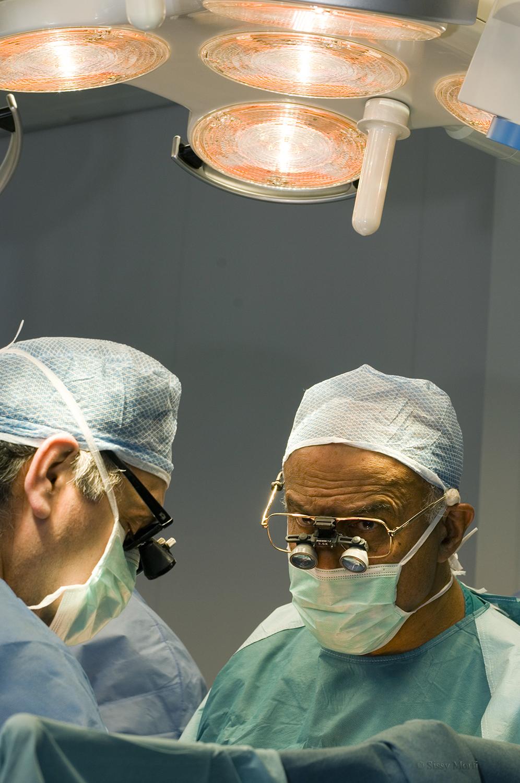 Magdi Yacoub / surgeon-professor of cardiothoracic surgery / BHMagazino No 329