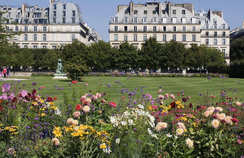 France / Paris / View of Louvre