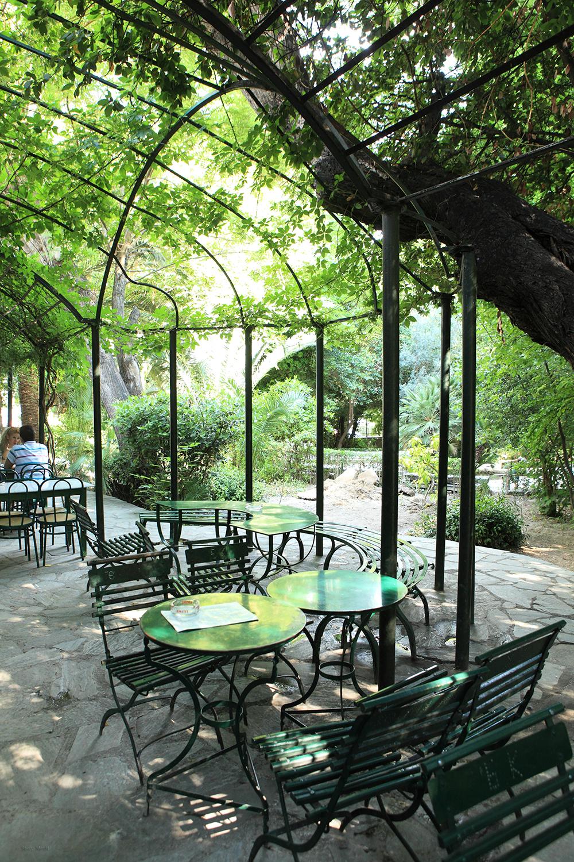 Greece / Athens / coffee shop inside the National Garden