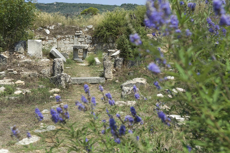 Greece / Epidaurus / Basilica altar